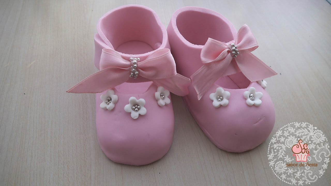 fondant baby shoes instructions